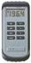 Przenośny termometr elektroniczny na termoparę typ K z wyświetlaczem LCD, wymienialne zewnętrzne sondy, konektor sub-miniture, zakres pomiaru -50 do +1300 C, osłona gumowa (COMARK)